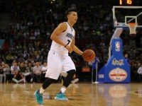 Jeremy Lin 1st Half Offense and Closing Defense Helped the Hornets to Beat the Nets