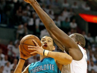 The Heat Scorched the Hornets Selfish Offense Again; Lin Aggressive in Limited Role