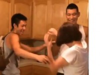 Jeremy Lin breaks barrier by shoving cake in his Mom's Face